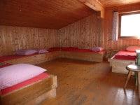 Fünfbettzimmer im Haupthaus auf der Binsalm